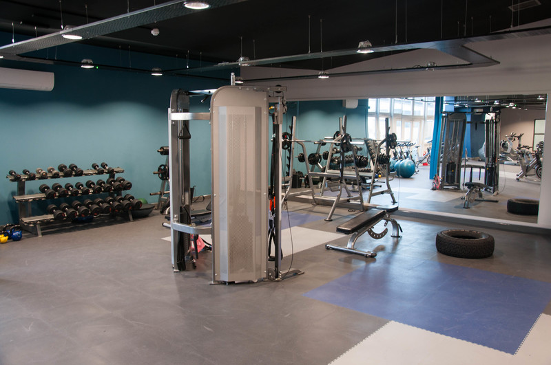 https://bookapitch-api-production.s3.amazonaws.com/gallery_images/images/000/002/951/large/salford_gym.jpg
