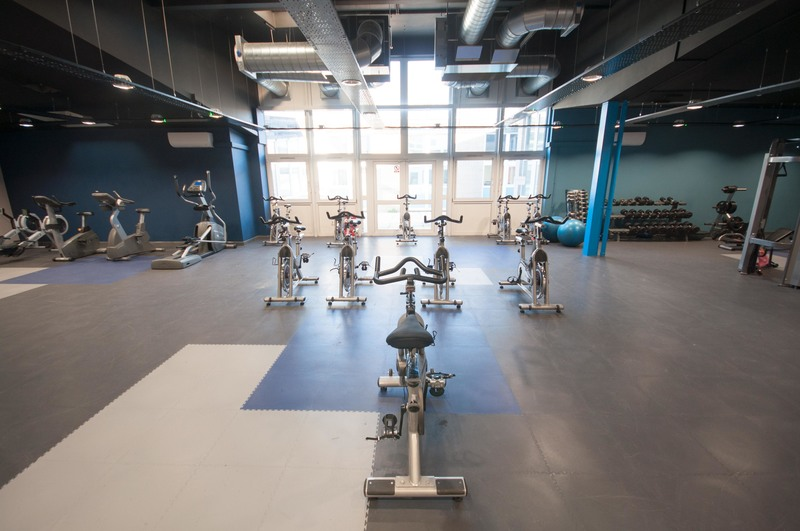 https://bookapitch-api-production.s3.amazonaws.com/gallery_images/images/000/002/952/large/salford_gym.jpg
