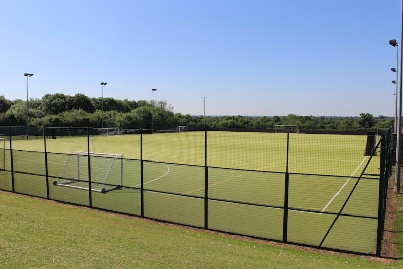 Full size Floodlit Astroturf pitch